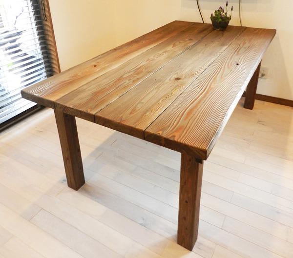 table_img02_bg